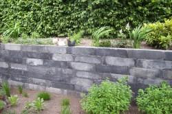muur van stapelblokken