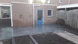 renovatie achtertuin met tuinhuis